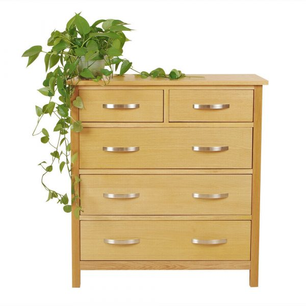 Oak 5 Draw chest of drawers